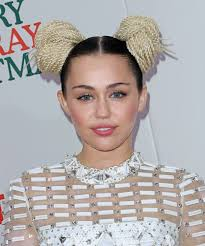 Miley Cyrus Hair Style miley cyrus debuts a bold new hairstyle & glam red carpet look twist 5441 by wearticles.com