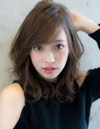 小顔カット流し前髪のひし形ミディse225 ヘアカタログ髪型