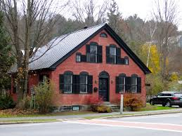 House With Black Trim Dark Trim On Brick House Exterior Pinterest Dark Trim
