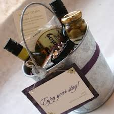 las vegas weddings out of town wedding guest welcome baskets Wedding Etiquette Out Of Town Guests Gift las vegas weddings 2 wedding etiquette out of town guests gift