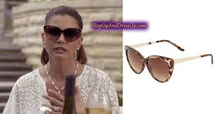 Scream queens opened up a new level of possibility for a comedy horror television series. Chanel 2 S Mom In Charisma Carpenter In Scream Queens Scream Queens Fashion Chanel Scream Queens Queen Fashion