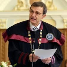 Declaratii socante ale rectorului celei mai mari universitati din Romania:  Oamenii lipsiti de cultura generala si de orizont artistic, oamenii  capabili sa rezolve doar probleme limitate alcatuiesc generatia Google,  generatia Facebook, generatia