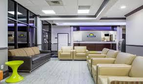 days inn suites orlando airport lobby lounge