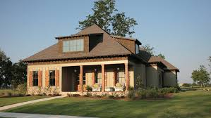 4 Bedroom Craftsman Home Plan HOMEPW70445