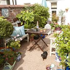 20 Potted-plants-various-sizes-small-garden-ideas Keith Henderson