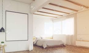 Schlafzimmerecke Mit Zwei Plakaten Und Große Fenster Mit Vorhängen