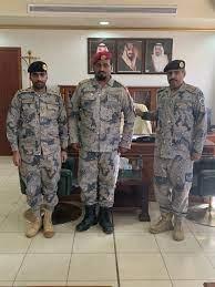 قائد حرس الحدود بطريف يقلد الرويلي واليامي رتبة وكيل رقيب - اخبارية طريف