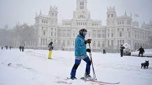 madrid sees heaviest snowfall in 50