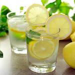 water en citroen drinken