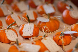 fall wedding place card holders. mini pumpkin place cards -- this is adorable for a fall wedding! | photo wedding card holders l