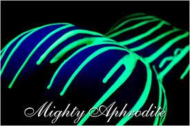 Cool Black Light Designs Pin On Neon Photo Shoot