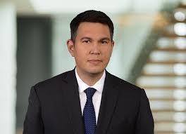 Kyle E. Scherer | Professionals | Venable LLP