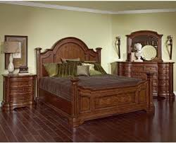 Broyhill Poster Bed