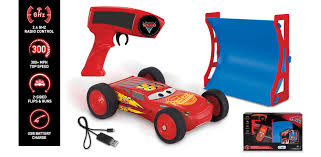our toys cars 3 cars 3 lightning mcqueen 2 sided stunt racer with ramp