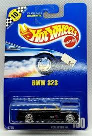 set of 2 hot wheels 1990 collector no