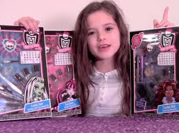 monster high makeup beauty set review frankie stein draculaura and clawdeen sets you