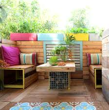 this pallet based patio proves that even renters can have stylishly remodeled spaces buy pallet furniture