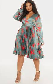Plus Emerald Green <b>Floral Print Long Sleeve</b> Pleated Midi Dress