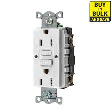 shop electrical outlets at lowes com hubbell 3 pack 15 125 volt indoor gfci decorator wall outlet