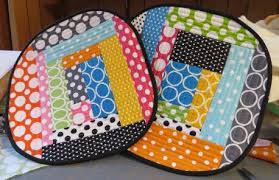 8 Fun Quilt Projects for the Kitchen & Two Colorfully Patterned Quilted Hot Pads Adamdwight.com