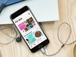 Finden sie musik mit dem künstlernamen, dem genre, dem lied oder dem albumnamen. Apple Music Offline Nutzen So Ladet Ihr Musik Auf Iphone Und Apple Watch Curved De