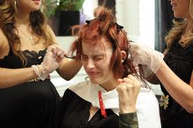 an america s next top model ant getting a haircut