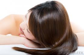 cod liver oil can strengthen hair and stimulate hair growth