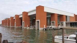 Aeroporto Marco Polo di Venezia, il terminal acqueo e il moving walkway