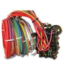 universal 18 circuit auto wiring harness hotrodwires com painless 18 circuit wiring harness made in the usa, 100% soldered, easily expandable, and oem quality 18 circuit universal wiring