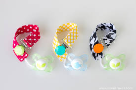 7 patterned pacifier clips