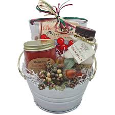 picture of sweet simple holiday gift bucket