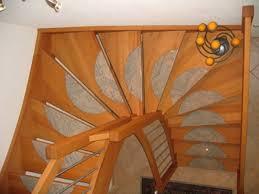 Klare geometrie, einfach zu bauen, sicher zu laufen, betont laufrichtung, große deckenöffnung schafft die viertelgewendelte treppe kommt überall da zum einsatz, wenn antritt. Halbgewendelte Treppe Konstruieren Archzine Net