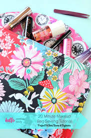 this 20 minute makeup bag sewing tutorial is easy to follow and leaves you with a fabulous handmade gift
