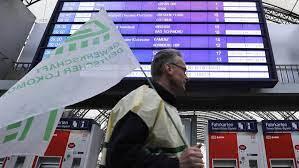 Sie nennt aber keinen termin für einen weiteren ausstand. Streik Der Deutschen Lokfuhrer Bis Nach Wien Spurbar Ersatzplan Angelaufen Tiroler Tageszeitung Online Nachrichten Von Jetzt