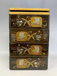 maki e painting box solid wood and gold paint and s super beautiful