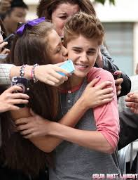 jennifer lopez and justin bieber kissing. justin bieber kissing fans \u2013 end of selena gomez? jennifer lopez and