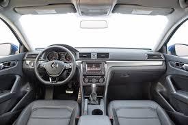 volkswagen passat 2018. 2018 volkswagen passat r-line sedan dashboard n