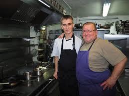 Comité Des Jumelages Angoulême Deux étudiants Russes En Cuisine à