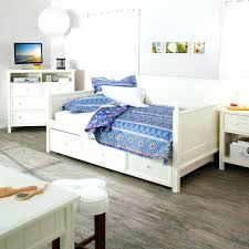 wooden daybeds daybeds white