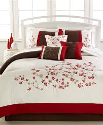 bedspread bedroom gorgeous queen bedding sets for decoration ideas comforter set tro target bedspreads size camo macys down little girls double quilt and