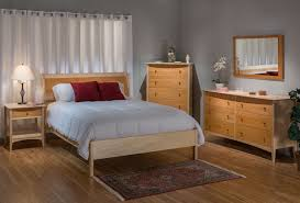 Natural Maple Bedroom Furniture Traditional Solid Maple Cherry Natural Queen Low Sleigh Bedroom