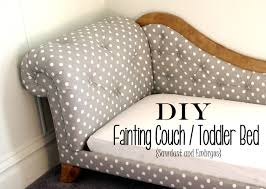 Toddler Bed Fainting Couch Tufting Upholstery Fainting couch