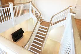 Treppe geschlossen in weiss und dunkel. Premium Treppe In 2020 Treppe Treppen Design Deckenverkleidung