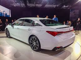 2019 Toyota Avalon First Look | Kelley Blue Book