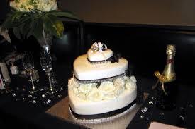 Fun Novelty Specialty Cake Designs Thatweddinggirlcom