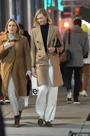 Karlie Kloss - Walk with friends in New ...