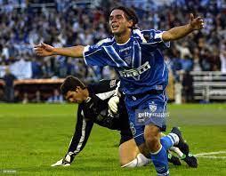 Lucas Castroman, de Velez Sarsfield, festeja el tercer gol de su... News  Photo - Getty Images