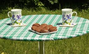 image of picnic table covers fitted