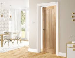 oak door with white skirting and architraves