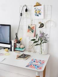 office desk space. five good things office desk space